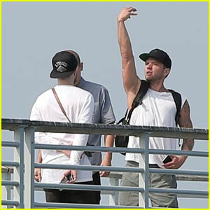 Ryan Phillippe Directs Pal's Music Video on Hermosa Beach Pier
