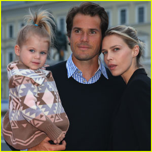 'Barely Famous' Star Sara Foster & Husband Tommy Haas Expecting Second Child!