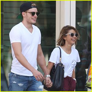 Sarah Hyland Visits Boyfriend Dominic Sherwood in Toronto!