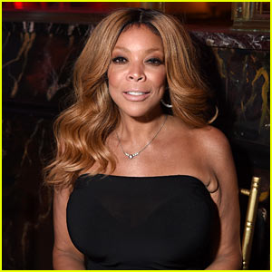 Wendy Williams Falls Off Stage in Houston (Video)