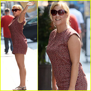 Amy Schumer Kicks Off Labor Day Weekend With The Fam