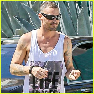Brian Austin Green Wears 'Life Hurts' Tank After Megan Fox Split