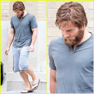 Chris Pratt Sports Big Bushy Beard on 'Passengers' Set!