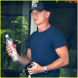 Daniel Craig Publicly Supports Bernie Sanders for President