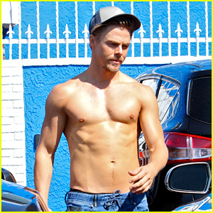 Derek Hough Goes Shirtless After 'DWTS' Practice!