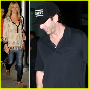 Friends' Lisa Kudrow & David Schwimmer Reunite for Movie Date