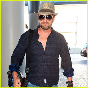 Gerard Butler Is a Labor Day LAX Jetsetter