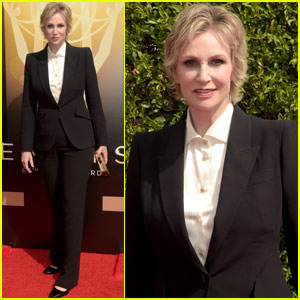 Jane Lynch Takes Home Outstanding Host for a Reality Program Emmy