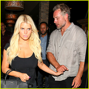 Jessica Simpson Enjoys a Long Dinner Date with Eric Johnson
