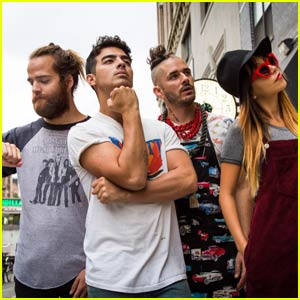 Joe Jonas Releases First Song With New Band DNCE - Listen to 'Cake By the Ocean' Here!