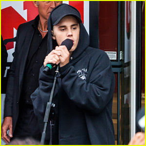 Justin Bieber Performs 'Baby' With Bryan Adams - Watch Here!