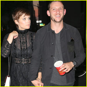 Kate Mara & Jamie Bell Hold Hands After The Marc Jacobs Fashion Show