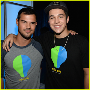 Taylor Lautner Makes The Crowd Go Wild At 'Think It Up' Telecast