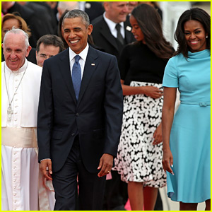 Pope Francis Arrives in U.S. & Meets the Obamas!