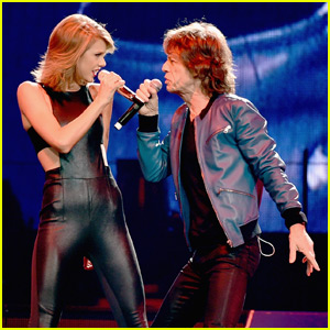 Taylor Swift Rocks Out to '(I Can't Get No) Satisfaction' With Mick Jagger in Nashville (Video)