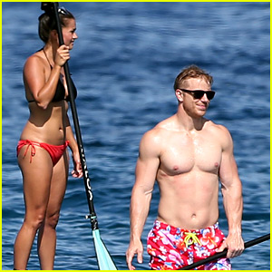 The Bachelor's Sean Lowe Bares Buff Beach Bod with Wife Catherine in Hawaii!