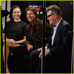 Tom Cruise & Rebecca Ferguson Have a Q&A With Chinese Fans