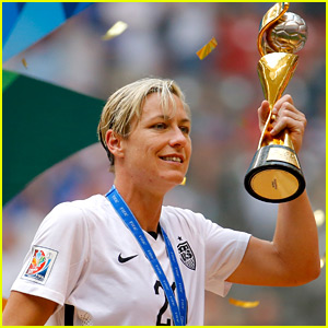Soccer Star Abby Wambach Announces Her Retirement