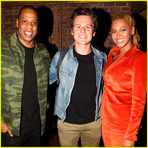 Beyonce & Jay Z Catch the Hottest Show on Broadway!