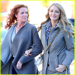 Blake Lively Talks a Walk Down 'Normal Street' with Sis Robyn!