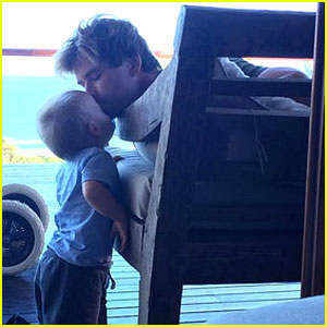 Chris Hemsworth Kisses His Son in Adorable New Photo!