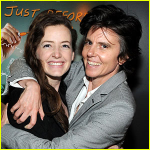Comedian Tig Notaro Marries Girlfriend Stephanie Allynne