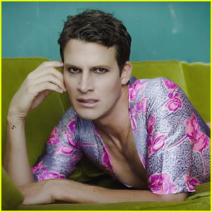 Daniel Tosh Recreated Selena Gomez's 'Good for You' Video!
