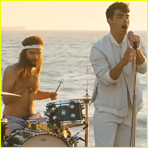 Joe Jonas Debuts DNCE's 'Cake By the Ocean' Video Directed by Gigi Hadid!