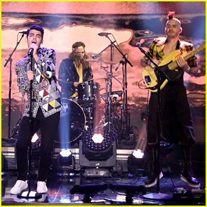 Joe Jonas & DNCE Bring 'Cake By The Ocean' To 'Tonight Show'