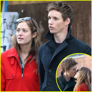 Eddie Redmayne & Wife Hannah Pack on the PDA in London