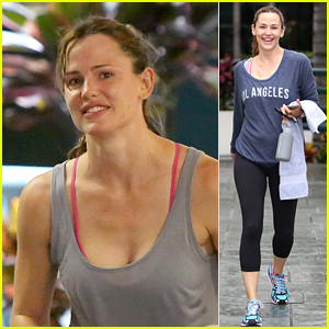 Jennifer Garner Breaks a Sweat During Her Workout