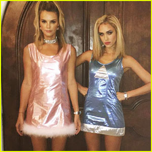Jessica Alba Does a Perfect 'Romy & Michelle' Halloween Costume ...