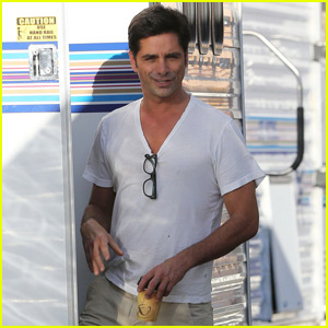 John Stamos is Still on Good Terms With the Olsen Twins