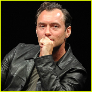 Jude Law Is Very Uncomfortable Filming 'The Young Pope'