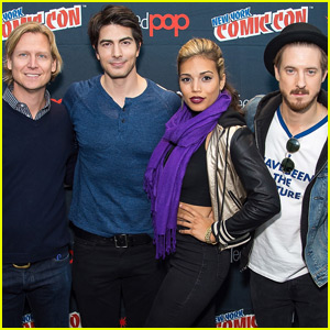 Brandon Routh & Arthur Darvill Bring 'DC's Legends of Tomorrow' to New York Comic Con 2015