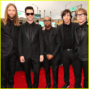 Maroon 5 in Talks for Super Bowl 2016 Halftime Show - Report