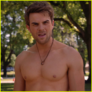 Nathaniel Buzolic Shows Off Amazing Shirtless Body in 'Significant Mother' Season Finale - Watch an Exclusive Clip!