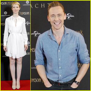 Tom Hiddleston Promotes 'Crimson Peak' With Mia Wasikowska