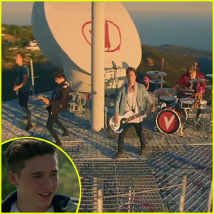 Brooklyn Beckham Stars in The Vamps' 'Wake Up' Music Video!