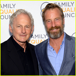 Victor Garber Marries Rainer Andreesen After 16 Years Together