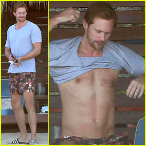 Alexander Skarsgard Went Shirtless for a Mexico Vacation!