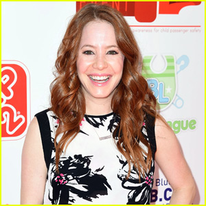 '8 Simple Rules' Star Amy Davidson Is Pregnant!