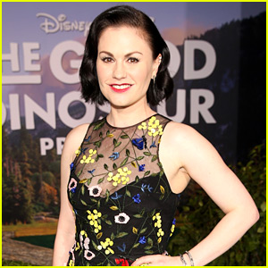 Anna Paquin Shuts Down Body Shamers Who Called Her Fat