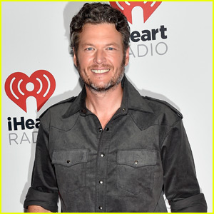 Blake Shelton Saves Strangers Stranded In Mud Hole In Oklahoma
