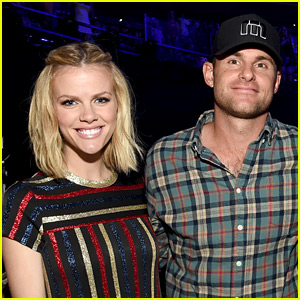 Brooklyn Decker Debuts First Pic of Her & Andy Roddick's Baby