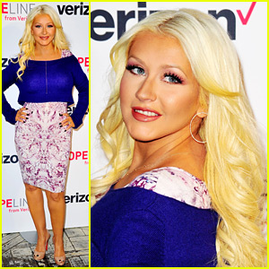 Christina Aguilera Takes a 'The Voice' Break for a Good Cause