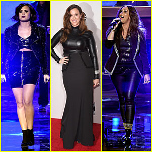 Watch Alanis Morissette Duet with Demi Lovato at American Music Awards - You Oughta Know!