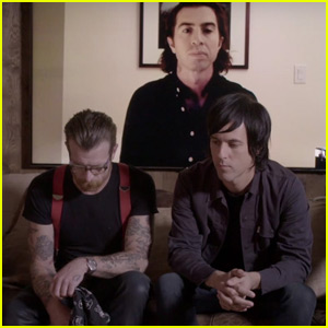Eagles of Death Metal Recall Harrowing Paris Attacks in Full 'Vice' Interview (Video)