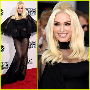Gwen Stefani Shows Off Legs in Sheer Dress at AMAs 2015!