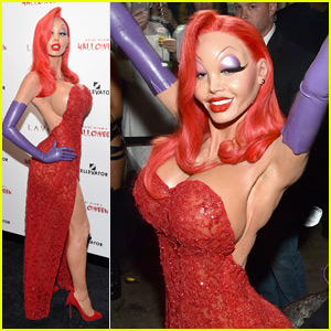 Heidi Klum Transforms into Jessica Rabbit for Halloween 2015!